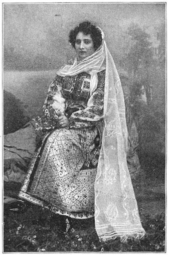 Roemeensche gala-kleeding.
