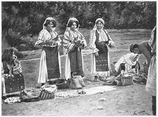 Verkoopsters op de markt van Targu-Jiul.